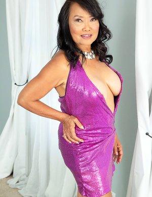 Older Women Asian Pics