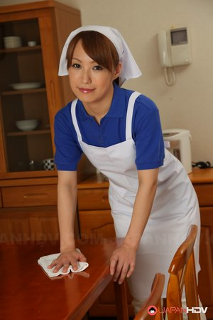 Maid Asian Pics